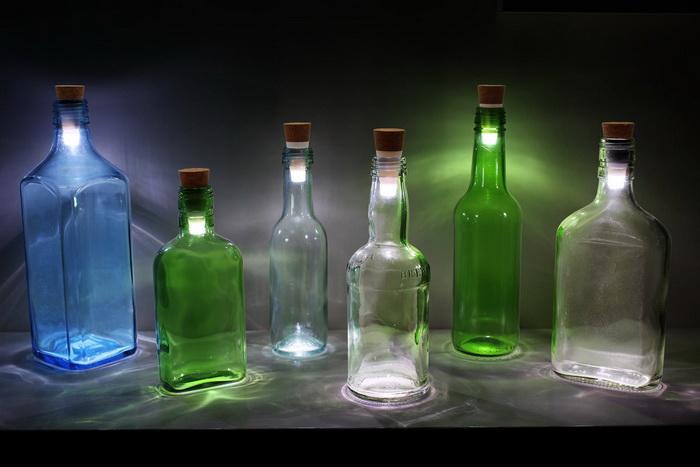 Два в одном: светодиодный фонарик плюс пробка для бутылки