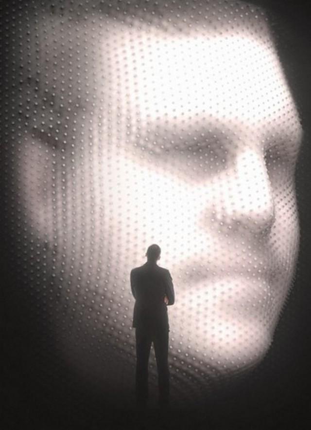 Посетители Олимпиады в Сочи смогут увидеть барельефы своих лиц на стене здания