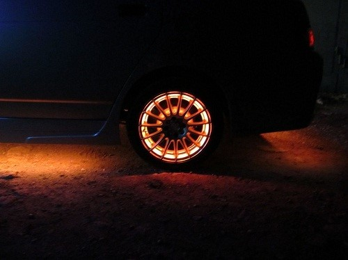 Световой тюнинг колес (подсветка колес светодиодной лентой)